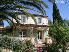 picture of locations de vacances, terrasses privées, parking clos, mer 4 km